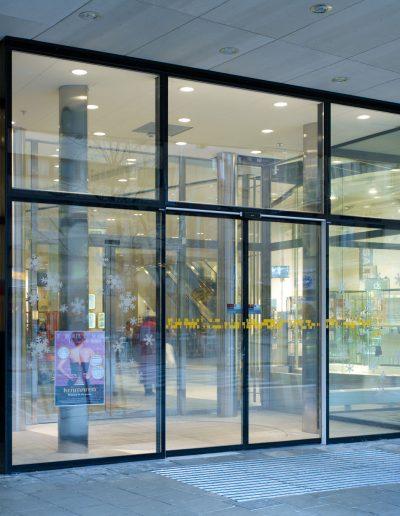 Slimdrive_SL_+_IGG_Kraemaren_Shoppingcenter_Einbausituation__sprachunabhaengig_51106_web